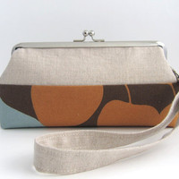 Wristlet frame clutch- natual linen patchwork- leaves on brown