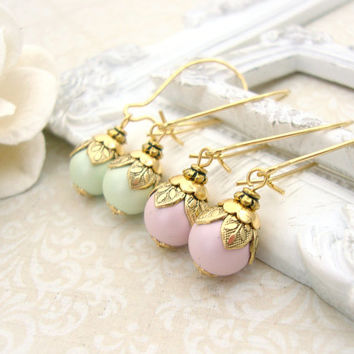 Pastel Swarovski Pearl Dangle Earrings - Antique Gold Victorian Jewelry - Spring Jewelry Mint Pink Pastel Jewelry Gold Bridesmaids Gift