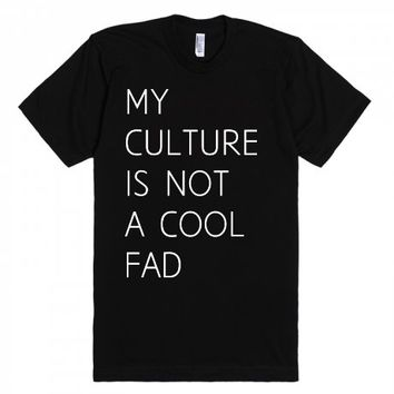 No cool fads | Fitted T-shirt | SKREENED