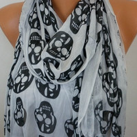 Light Gray  Scarf  - Fabric Large Skulls  - fatwoman