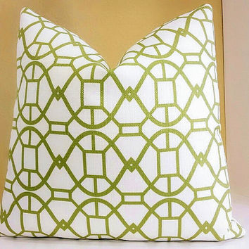 Trellis pillow cover white and green, fabric both sides 16 x 16
