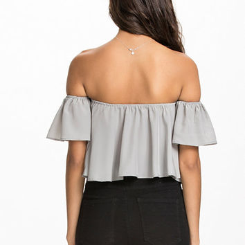 Flirty Offshoulder Top, NLY Trend