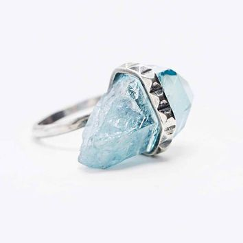 Jill Urwin Small Crystal Ring in Silver - Urban Outfitters