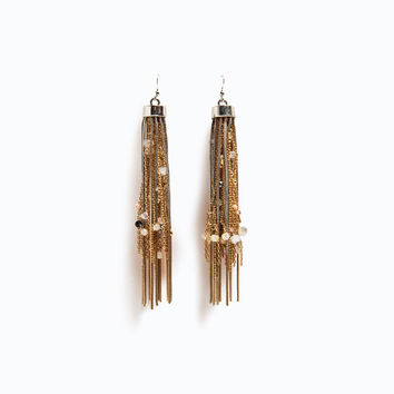 Interwoven chains earring