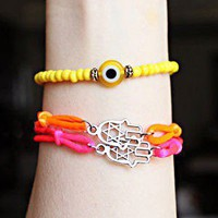 Neon Palm Bracelet on Luulla