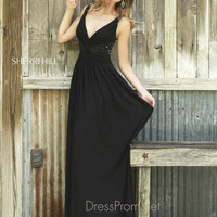 Plunging V-Neckline Formal Prom Gown By Sherri Hill 5206