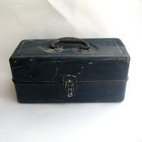 Vintage Metal Union Toolbox Utility or Tackle by Yesterdayand2day