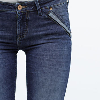 Skinny jeans with edging