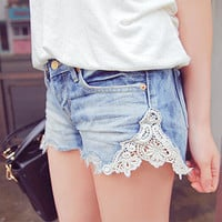 Hailey. vintage lace pocket shorts. boho. summer.