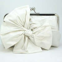 Classic Bow Clutch : Ivory / White Bridal Clutch