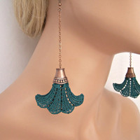 Bell lace earrings hunter green