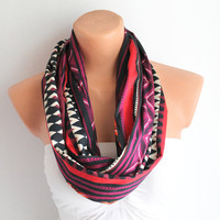 Infinity Scarf Loop Scarf Circle Scarf Cotton scaf Cowl Scarf Black and Fuchsia chevron