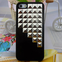 iPhone 5 hard Case cover with silver pyramid stud for iPhone 5 ,iPhone 5 case,iPhone hand case cover  -2724