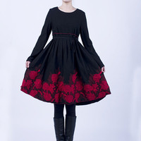 Woolen black dress (E62347381)