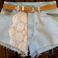 Vtg 80s Pale Blue wrangler Denim High Waist HIPPIE Boho FESTIVAL Crochet Shorts size 26