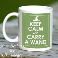 KEEP CALM AND CARRY A WAND HARRY POTTER GREEN MUG CUP, NEW UNIQUE DESIGN - J K ROWLING GREAT GIFT: Amazon.co.uk: Kitchen & Home