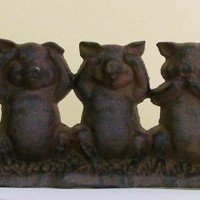 Amazon.com: Speak No Evil, See No Evil, Hear No Evil Cast Iron Pigs Doorstop: Home & Kitchen