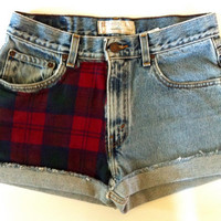 Vtg size 28/29 LEVI High Waist 90s Red and Green Plaid FLANNEL Cuffed Denim Shorts
