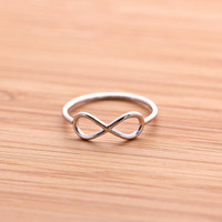 simple INFINITY ring, in silver