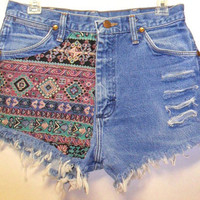 Vintage High Waisted Denim Shorts Front &amp; Back Southwestern Waist  29.5   Inch