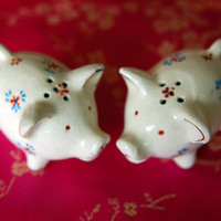 Pig Salt and Pepper Shakers Occupied Japan by BoldSparrowVintage