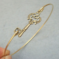 Key Bangle Bracelet Style 3 on Luulla