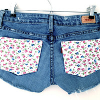 SALE - Low Waisted Flower Pocket Levis Shorts