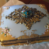 Robin's Egg Blue Gilt on Porcelain Dresser Box w Confetti Lucite Stone