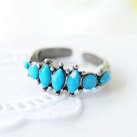Retro Exquisite Style Rhombus Shape Gemstone Embellished Finger Ring