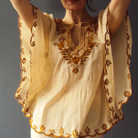 Vintage 70s Butterscotch Vanilla Ivory Embroidered Angelwing Boho Tunic Blouse