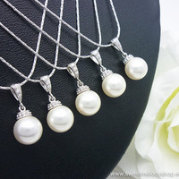 SET of 5 Bridesmaid Wedding Necklaces Bridal Pearl Jewelry White Swarovski Round Pearl Drop with Cubic Zirconia Necklace