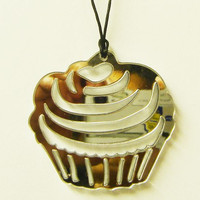Medallion necklace - Cupcake Mega