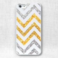 iPhone 5 Case, iPhone 4 Case, iPhone 4S Case, iPhone Case  - Printed Chevron Glitter - 161