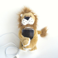 Leo the Lion iPhone Dock Charging Station