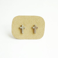 Large Metal Cross Stud Earring - Gi.. on Luulla