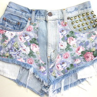Vtg Levis Floral Studded HIGH WAISTED Cut Off Denim FESTIVAL Shorts M