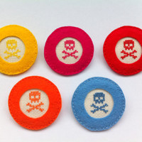 Cross stitch skull felt brooch -pin (Choose one)