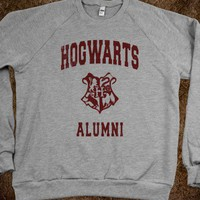 Hogwarts alumni (Vintage Sweater) - Fun, Funny, &amp; Popular