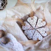 Christmas Gift set of 6 hearts decoration ornaments with gold thread  varnish Holiday decor tree