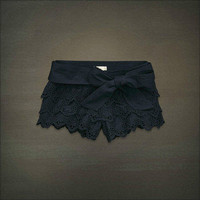 NWT Hollister Abercrombie & Fitch Women Eyelet Lace Shorts S SEAGROVE Authentic