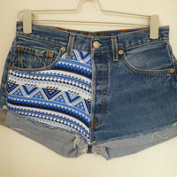 Vintage High Waisted blue & white AZTEC LEVIS shorts/Hotpants Size 12