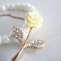Roses romantic flower bracelet- pale yellow color- crystal beads rose- shabby chic