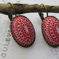 Holiday Earrings, Estate Earrings, Vintage Red and White Lucite Cabochon Dangle Earrings, Antiqued Brass Lever Back Earrings