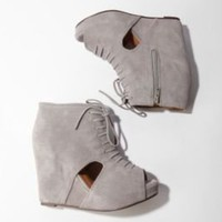 UrbanOutfitters.com &gt; Jeffrey Campbell Roks Wedge