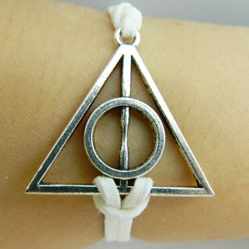 Bracelet - Harry Potter and the Deathly Hallows antique silver triangular bronze medal
