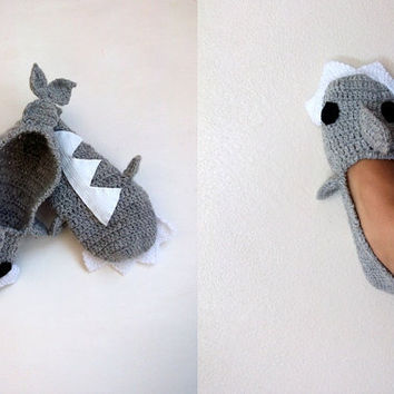 Crochet  Shark slippers,ADULT SIZE, house shoes-Crochet  Booties-Gray booties-animal