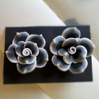 B&W flower blossom earrings