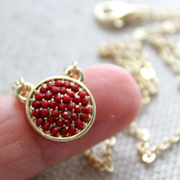 Round pendant rich red - small delicate necklace on gold chain