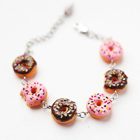 Bracelet of donuts - Fashion Jewelry - Gift for her - free shipping - Fake food Jewelry