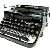 Typewriter - REMINGTON RAND MODEL 1 - Four Bank Portable Typewriter with Case - 1930s - Beautiful Condition